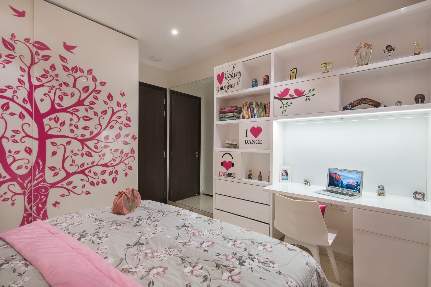 2 DAUGHTERS BEDROOM 1 (2)